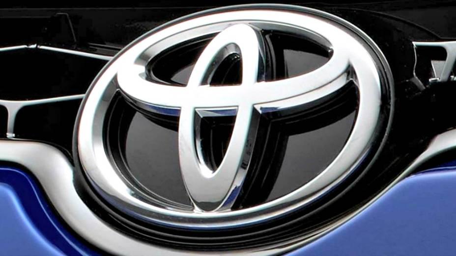 Detalhe da nova versão do sedã Corolla, da Toyota