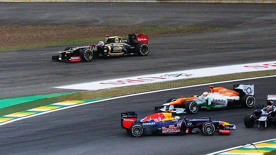 Acidente na primeira volta do GP do Brasil de Fórmula 1, em Interlagos