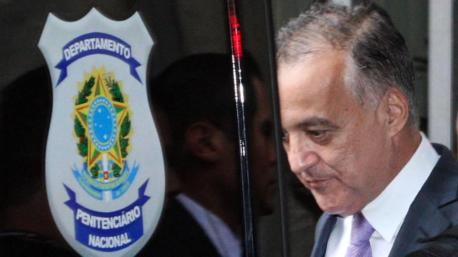 Carlinhos Cachoeira, deixa o Congresso, em Brasília, com destino ao complexo penitenciário da Papuda, após comparece à Comissão Parlamentar de Inquérito (CPI) mista do Congresso, nesta terça-feira
