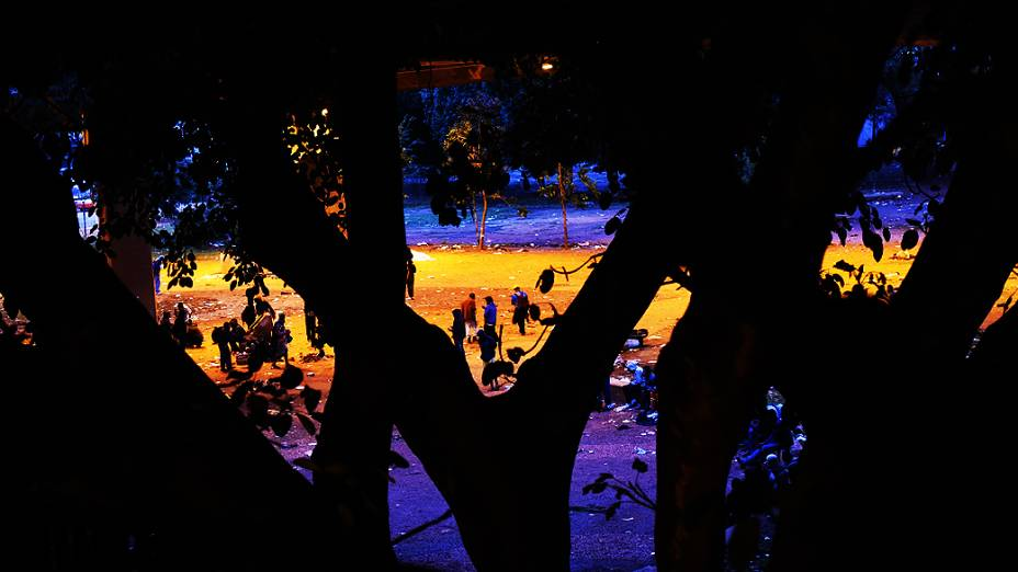O Parque Dom Pedro tomado por viciados em crack no centro de São Paulo