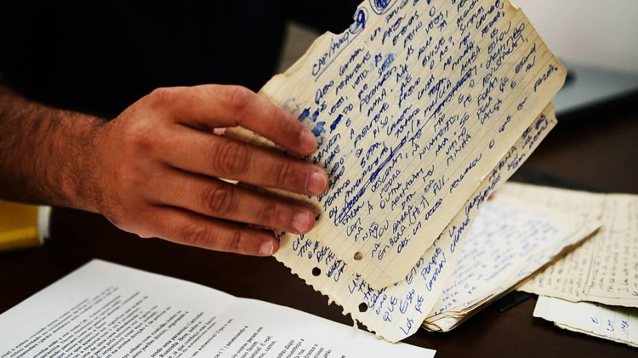 Fabian Nacer, ex-viciado em crack mostra cartas que escreveu no período em que era dependente de drogas