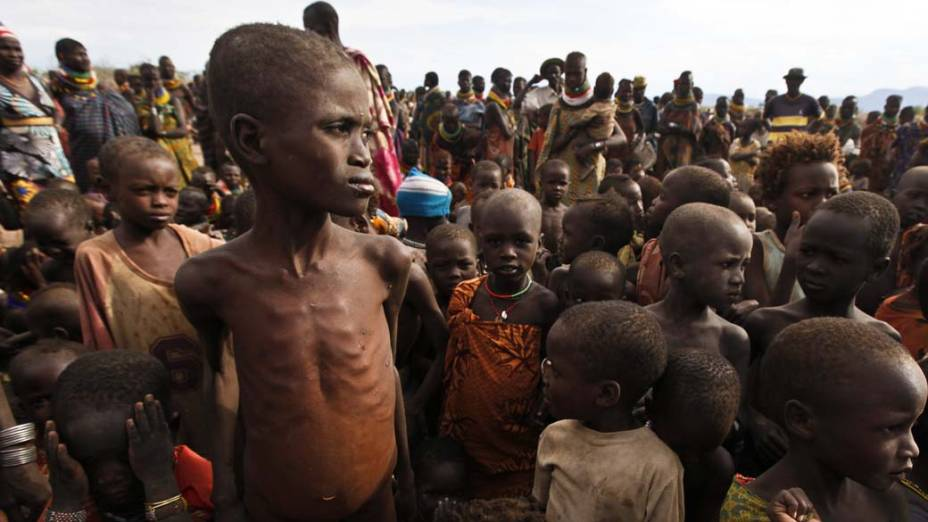 Crianças em Turkana, Quênia. Grande parte das crianças tem problemas de saúde devido ao alto índice de desnutrição