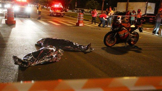 Duas pessoas morreram em uma tentativa de assalto, na Avenida dos Bandeirantes, em São Paulo