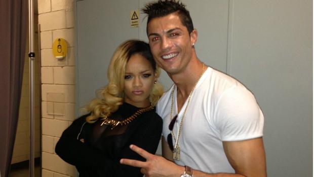 Cristiano Ronaldo e Rihanna nos bastidores do show da cantora em Lisboa