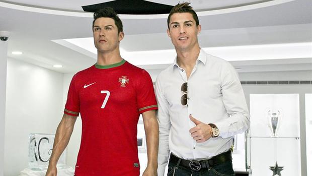 Mais de 120 troféus estão expostos no museu do jogador, em Portugal