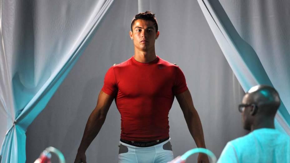O jogador de futebol Cristiano Ronaldo durante a gravação de uma campanha publicitária em Madri, Espanha