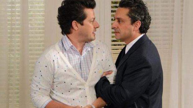 Crô (Marcelo Serrado) e Baltazar (Alexandre Nero) ganham destaque em <em>Fina Estampa</em>