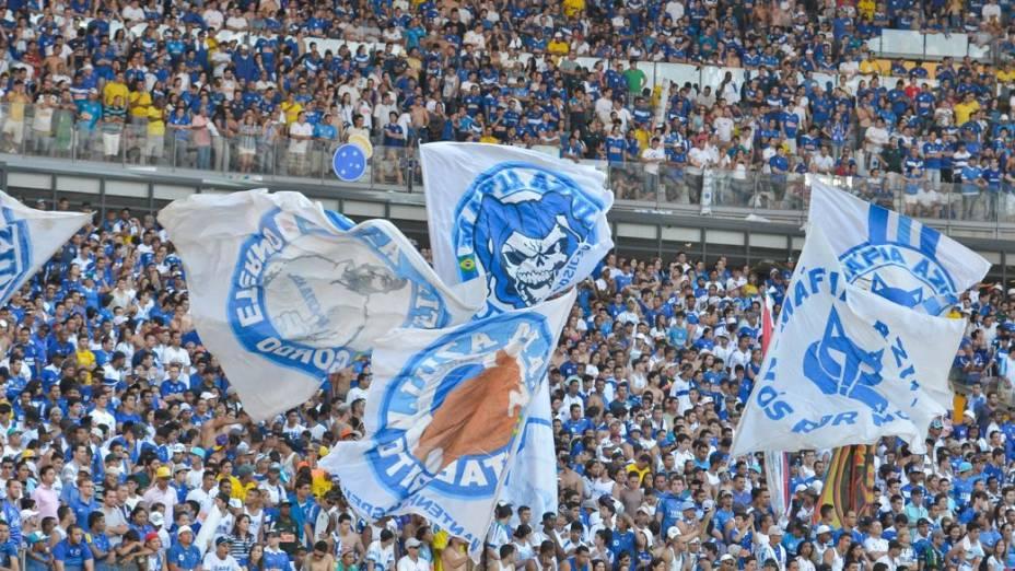 Torcida do Cruzeiro lota o Mineirão para o clássico com o Atlético pelo Brasileirão 2013