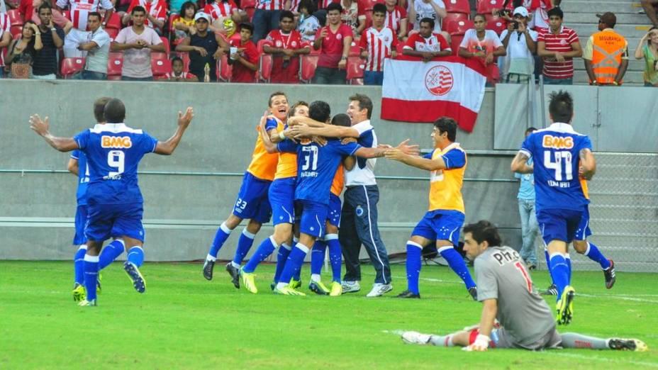 Cruzeiro derrota o Náutico na Arena Pernambuco