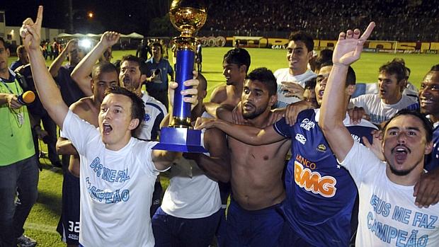 Cruzeiro confirmou o título após derrotar o Vitória por 3 a 1 em Salvador