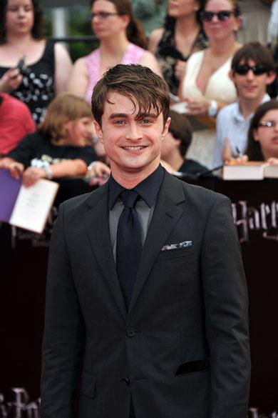 Daniel Radcliffe no tapete vermelho para a pré-estreia de <em>Harry Potter e as Relíquias da Morte – Parte 2</em>, em Nova York