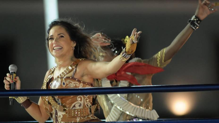 Daniela Mercury se apresenta no trio em Salvador