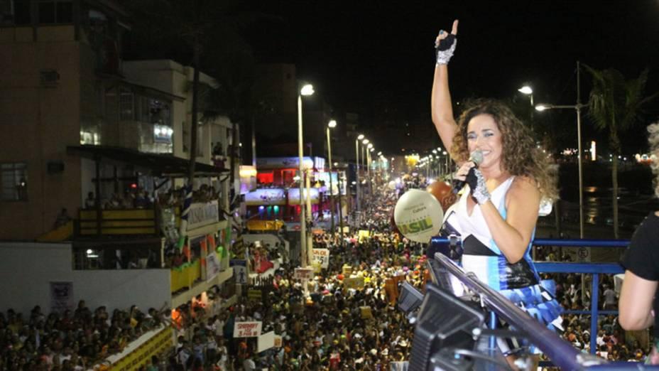 Daniela Mercury canta hits de sua carreira