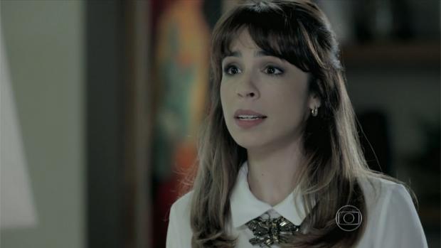 Danielle (Maria Ribeiro) discute, de cabelo preso, com Maria Marta (Lília Cabral)<br>