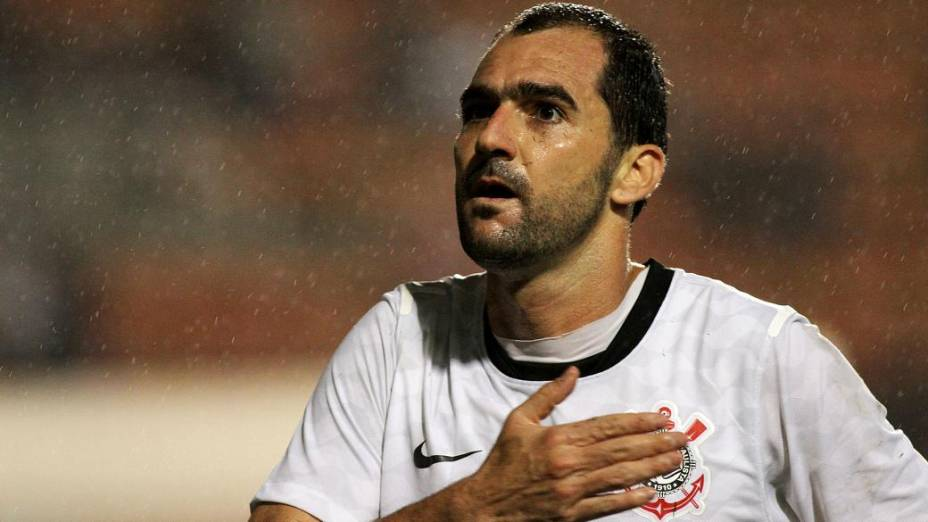 Danilo chegou ao Corinthians em 2010 e celebrou sete títulos no clube