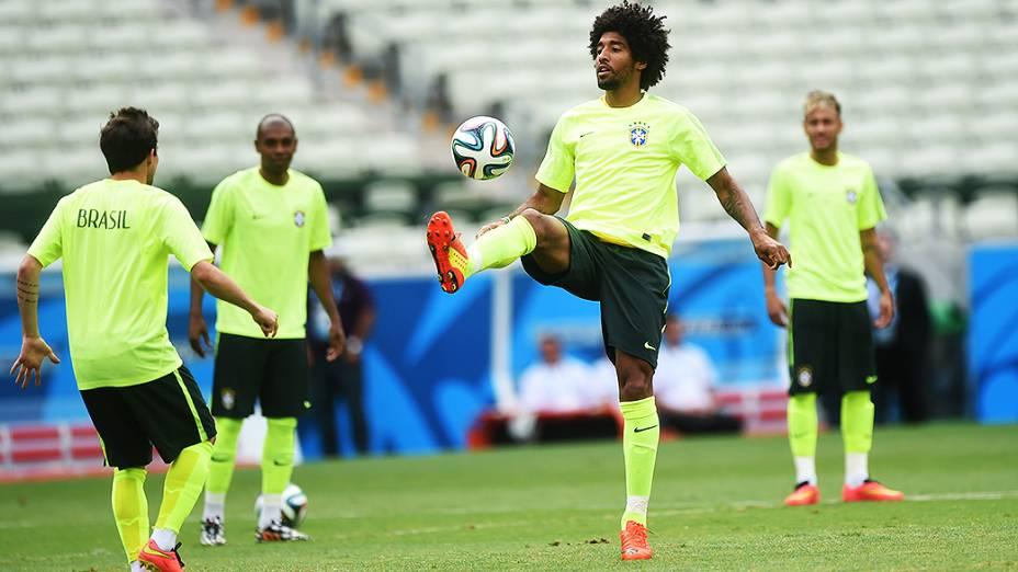 Seleção brasileira treina para a segunda partida da Copa contra o México no Castelão, em Fortaleza
