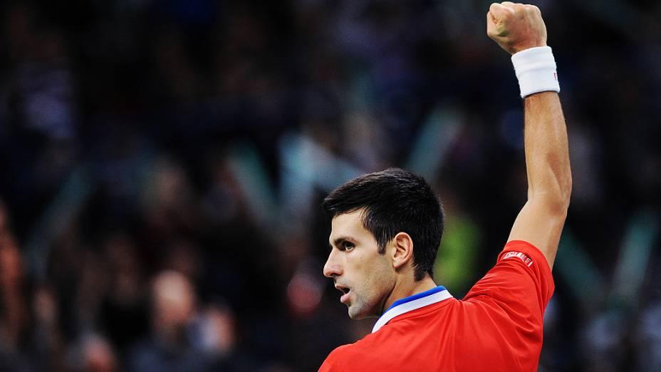Djokovic bate Berdych por 3 sets a 0 da Copa Davis, neste domingo(17)