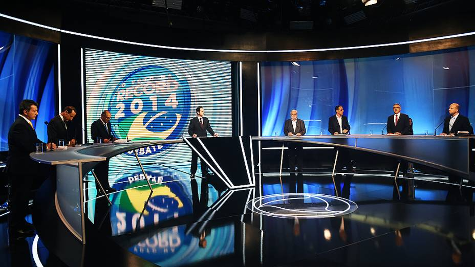 Os candidatos ao governo do Estado de São Paulo participam, nesta sexta-feira (26), de debate da Rede Record