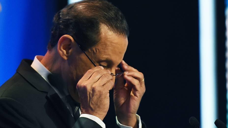O candidato ao governo de São Paulo pelo PMDB, Paulo Skaf, durante o debate da Rede Record realizado nesta sexta-feira (26)