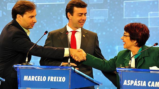 Debate no Rio: Maia, Freixo e Aspásia optaram pelo tom amigável
