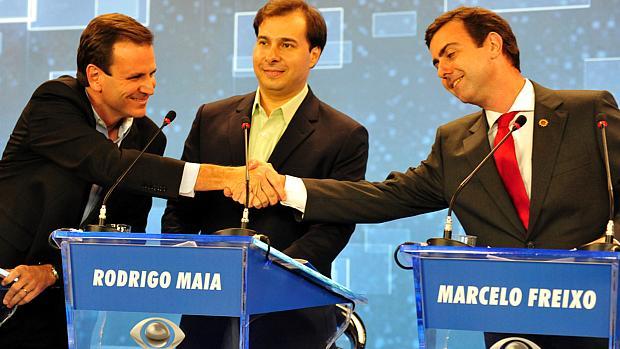 Debate no Rio: Maia levanta a bola para Freixo contra Paes