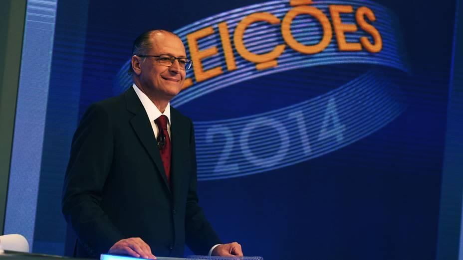 O governador de São Paulo e candidato à reeleição, Geraldo Alckmin (PSDB), durante o último debate entre os candidatos para o governo do Estado de São Paulo promovido pela Rede Globo, nesta terça-feira (30)
