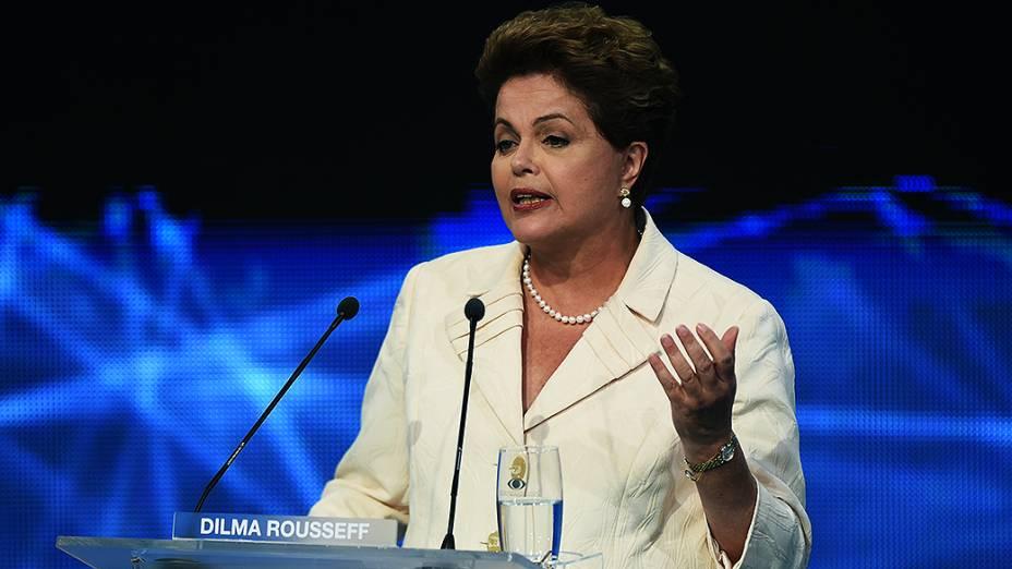A candidata à Presidência da República, Dilma Rousseff (PT), durante debate promovido pela Rede Bandeirantes, em 26/08/2014