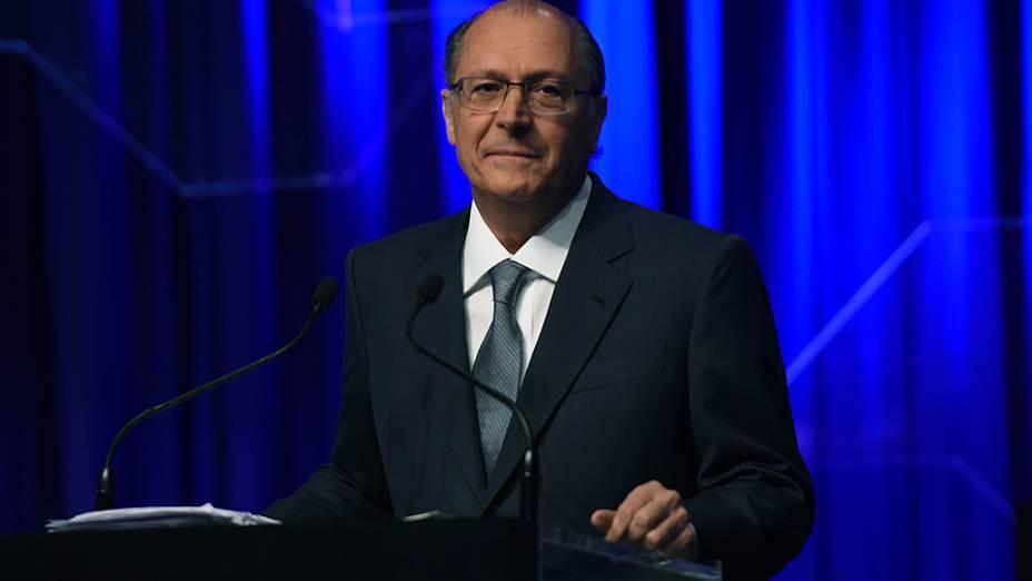 O governador-candidato Geraldo Alckmin durante debate promovido por SBT, Folha de S. Paulo, UOL e rádio Jovem Pan, em 25/08/2014