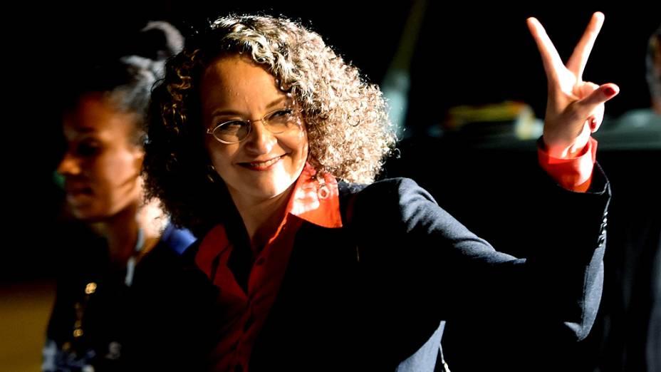 A candidata Luciana Genro (PSOL) chega para o debate dos presidenciáveis promovido pelo SBT, em 01/09/2014