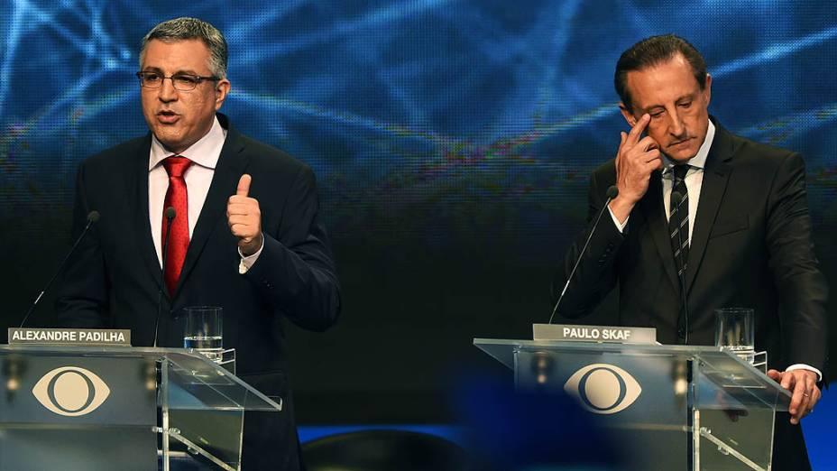 Alexandre Padilha e Paulo Skaf durante o primeiro debate das eleições 2014 entre os candidatos ao governo do Estado de São Paulo, promovido pela TV Bandeirantes, neste sábado (23), na sede da emissora, em São Paulo