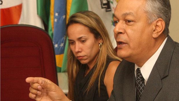 O delegado Edson Moreira, que preside a investigação do desaparecimento de Eliza Samudio, ex-amante do goleiro Bruno