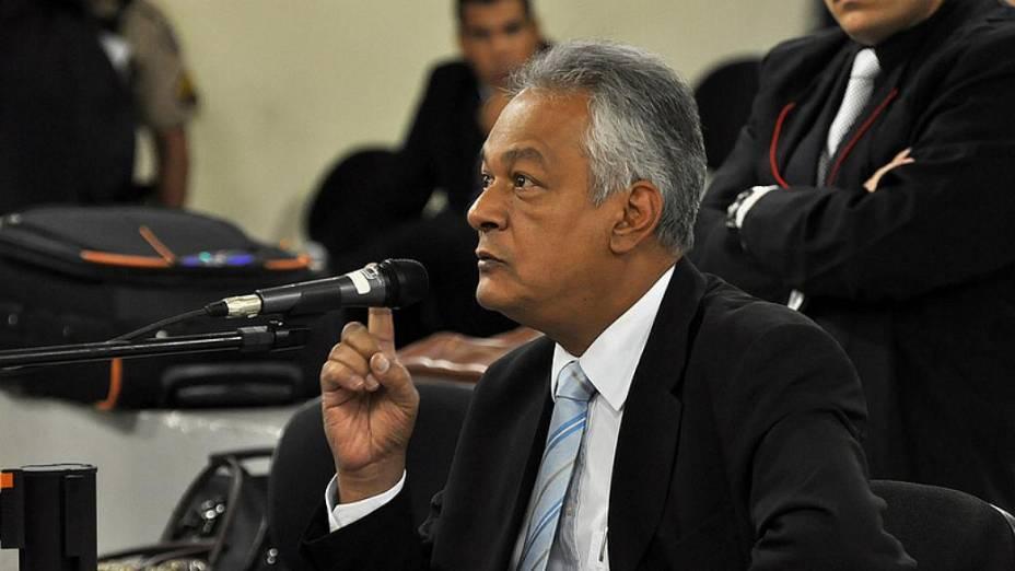 Delegado Edson Moreira, que coordenou a investigação sobre a morte de Eliza Samudio, é ouvido como testemunha no júri de Bola