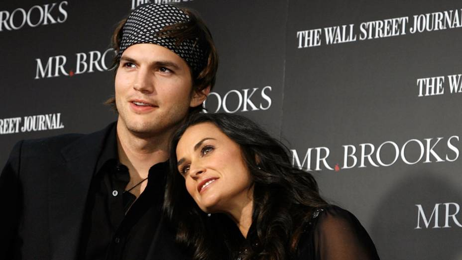 Demi Moore e Ashton Kutcher posam para foto, durante premiére em Los Angeles - 22/05/2007
