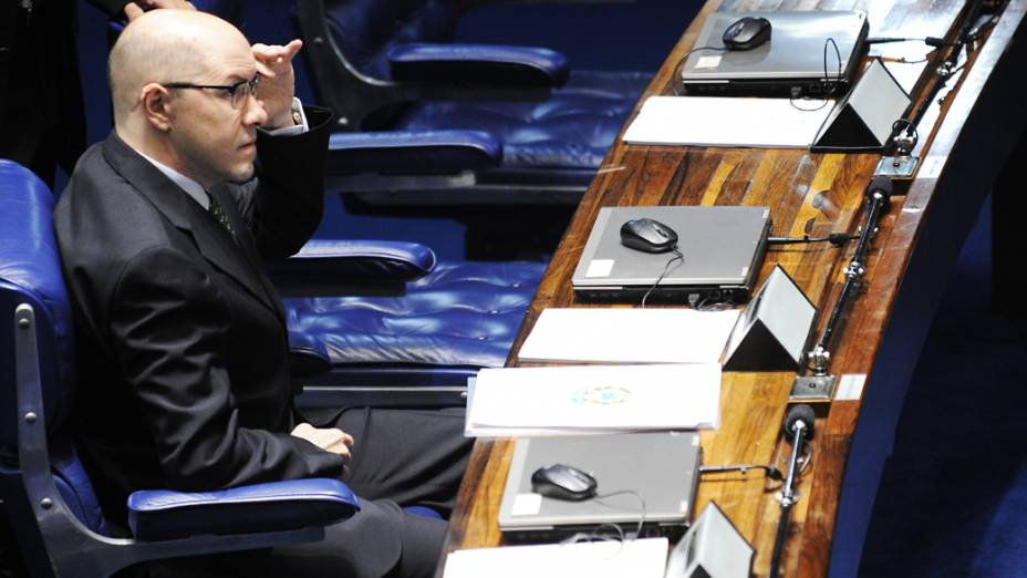 Senador Demóstenes Torres (sem partido-GO) durante votação que decide a perda de seu mandato