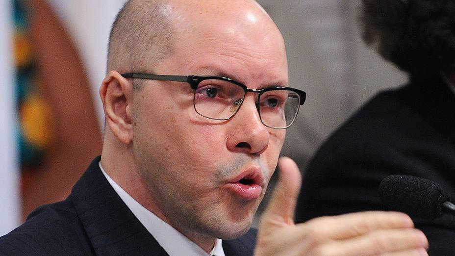 Senador Demóstenes Torres, acusado de quebra de decoro parlamentar durante Conselho de Ética