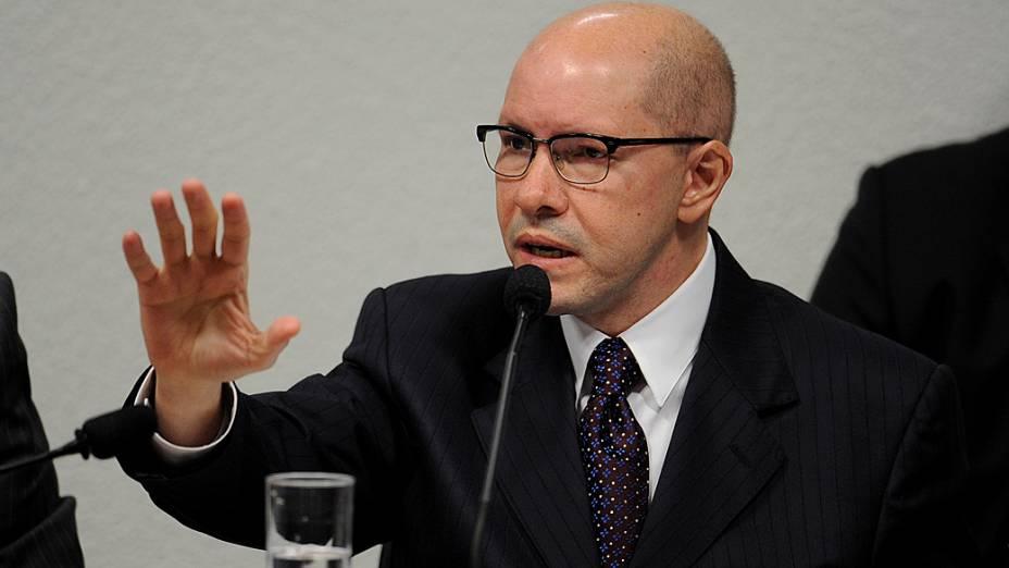 O senador Demóstenes Torres presta depoimento no Conselho de Ética do Senado, na manhã desta terça-feira