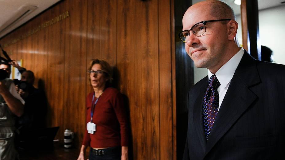O senador Demóstenes Torres, acusado de quebra de decoro parlamentar, chega ao Conselho de Ética para apresentar sua defesa