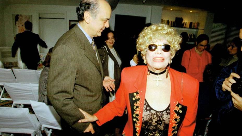 José Serra e Dercy Gonçalves, durante almoço em 1996