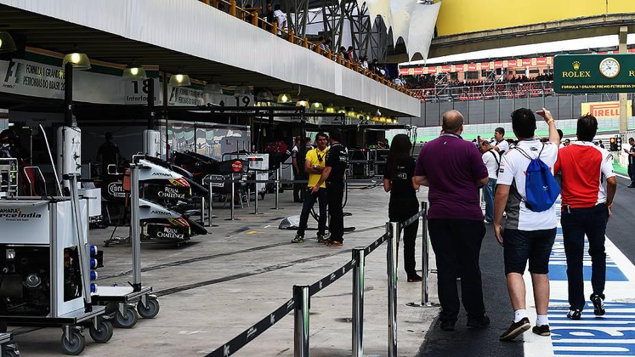 Movimentação nos bastidores do Grande Prêmio do Brasil em Interlagos