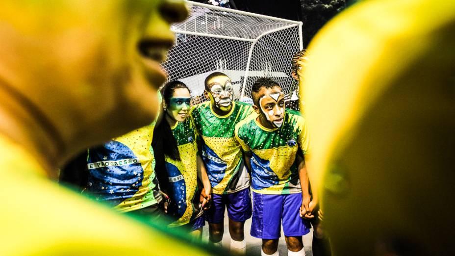 Leandro de Itaquera abre o primeiro dia de desfiles das escolas de samba do Grupo Especial no Carnaval de São Paulo