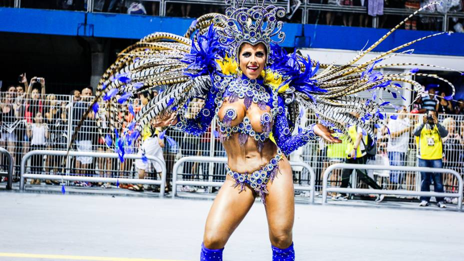 Destaque da Império da Casa Verde no segundo dia de desfiles das escolas de samba do Grupo Especial no Carnaval de São Paulo