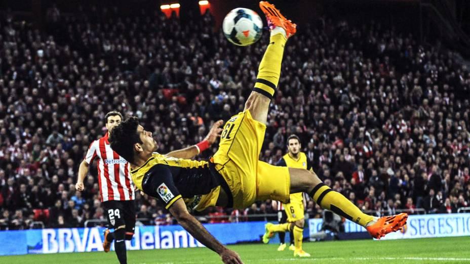 Atlético de Madrid derrotou o Athletic de Bilbao por 2 a 1, de virada, com gol do brasileiro naturalizado espanhol Diego Costa