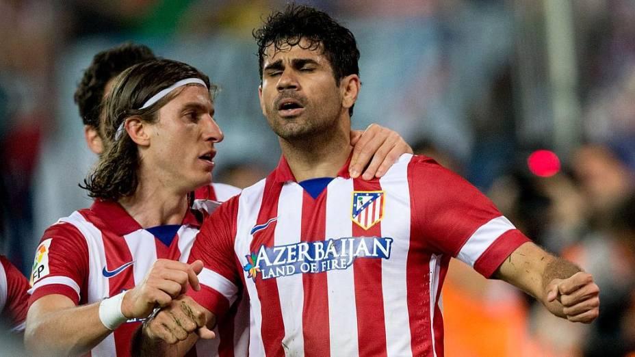 Destaques na histórica campanha do Atlético de Madri, Filipe Luís e Diego Costa devem desembarcar em Stamford Bridge