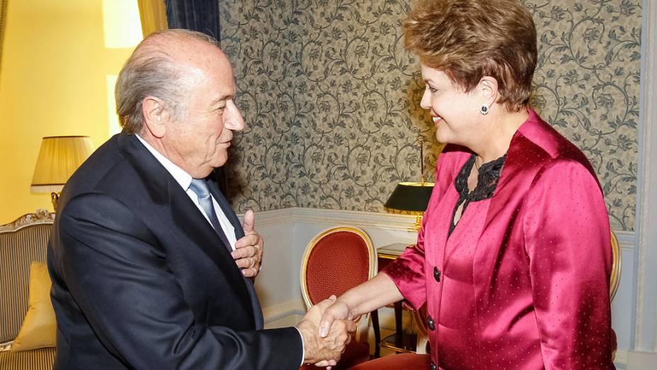 Presidente Dilma Rousseff durante encontro com o Presidente da FIFA Joseph Blatter no Hotel Ritz em Londres