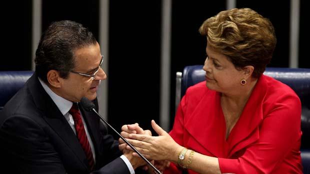 A presidente Dilma Rousseff e o presidente da Câmara, deputado Henrique Alves, no Plenário do Senado