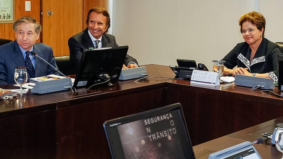 Emerson Fittipaldi com a presidente Dilma Rousseff e o presidente da FIA Jean Todt, no Palácio do Planalto