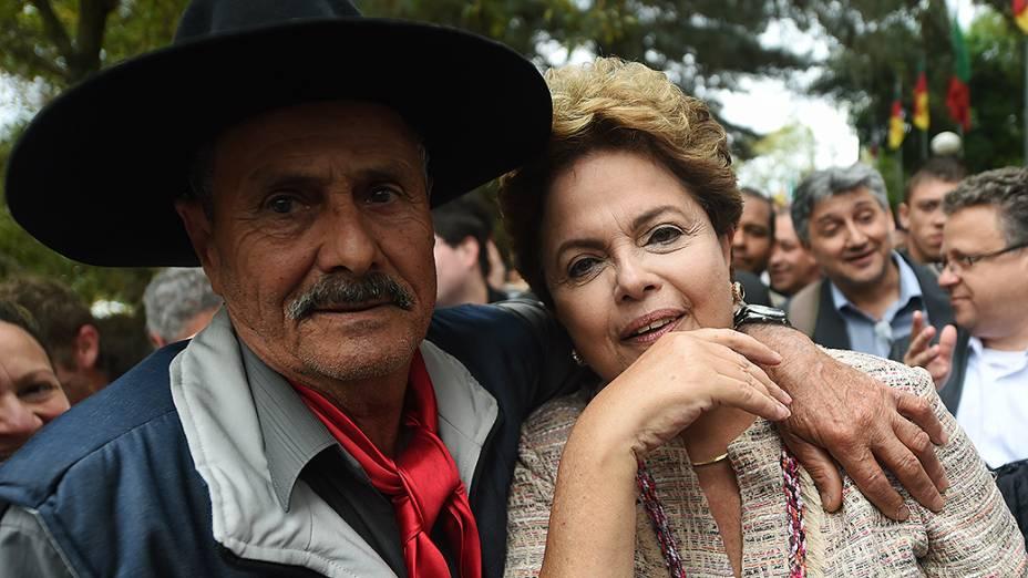 Dilma Rousseff cumprimenta eleitores na abertura da Expointer em Esteio (RS) - 05/09/2014
