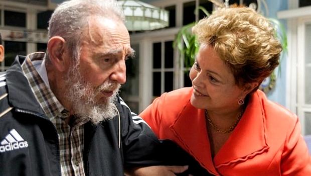 Dilma Rousseff visita ditador Fidel Castro em Havana