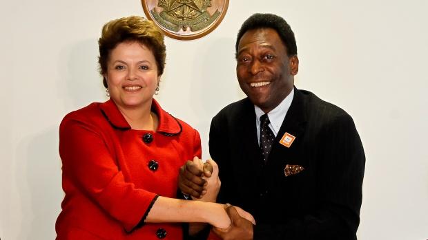A presidente Dilma Rousseff recebe o ex-jogador Pelé