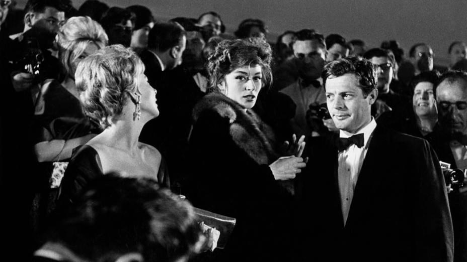 Anouk Aimee e Marcello Mastroianni, na estreia do filme <em>A Doce Vida</em> no Festival de Cannes em 1960